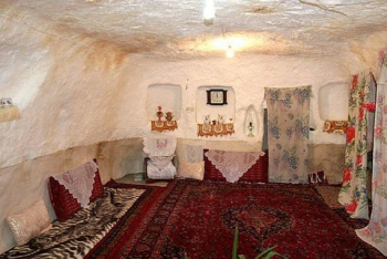 Iran Rock House Interior2