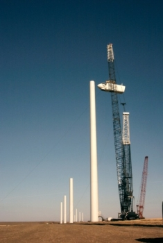 Hopkins Ridge Wind Farm Hoisting Blade with Crane