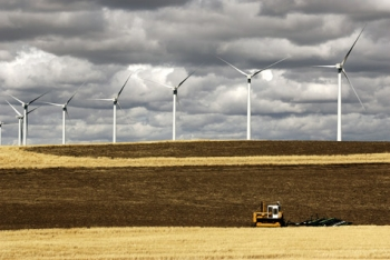 Hopkins Ridge Wind Turbines and Farming