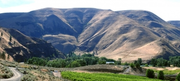 Ellensburg Canyon Winery in the Yakima River Canyon